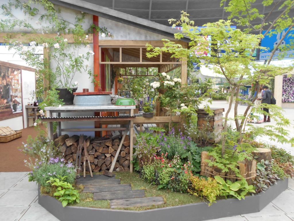 作品名「ベニシアさんの庭2015」